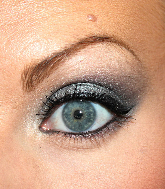 Sam Schuerman Blue Grey Smokey Eye