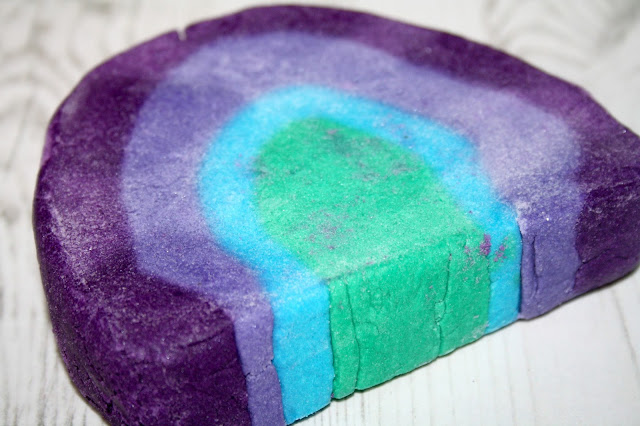 Lush Ultraviolet Bubble Bar