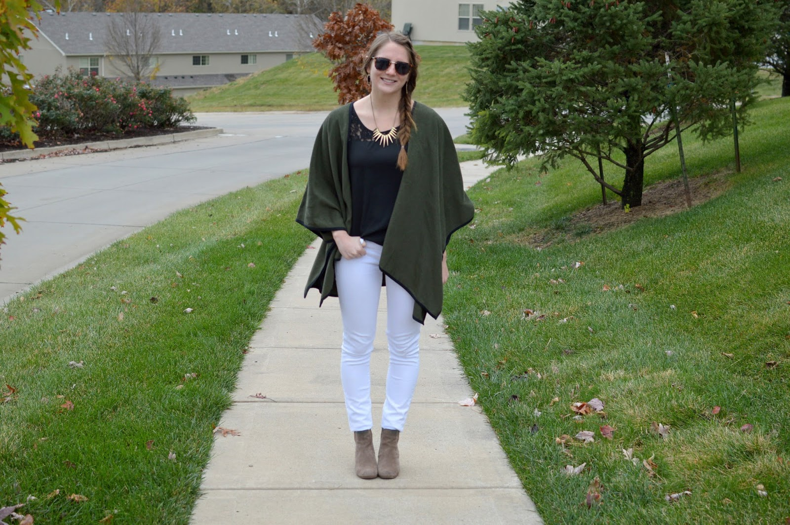 olive green poncho outfit ideas