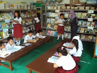 Definisi Perpustakaan Sekolah Menurut Para Ahli