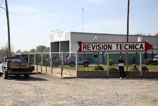 Desde los 4 talleres habilitados comentaron que están realizando todos los exámenes de vehículos en el día. A la vez, en todos coincidieron que diariamente reciben entre 15 y 20 autos y camionetas para revisar.