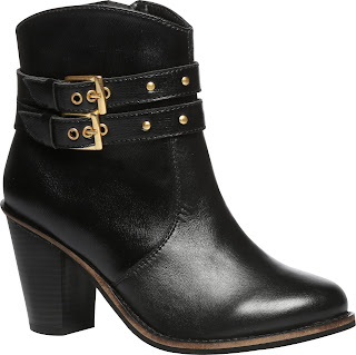 footin Black boots