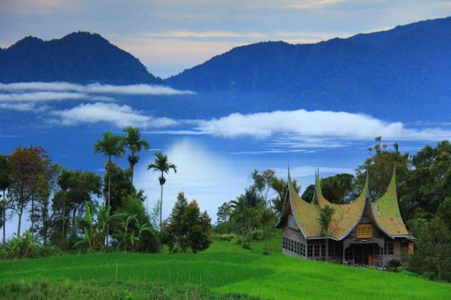 Keindahan Danau Maninjau Sumatera Barat 3