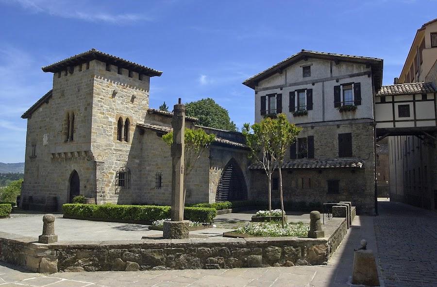 Caballo Blanco, turismo en Pamplona