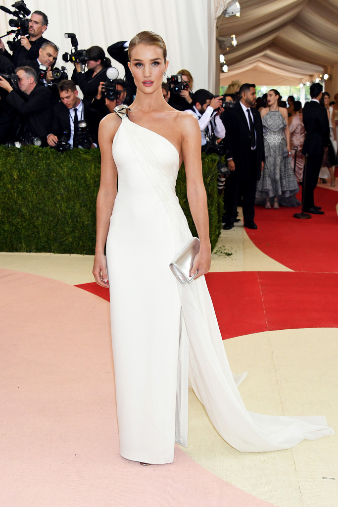 Rosie Huntington-Whiteley at the 2016 MET Gala