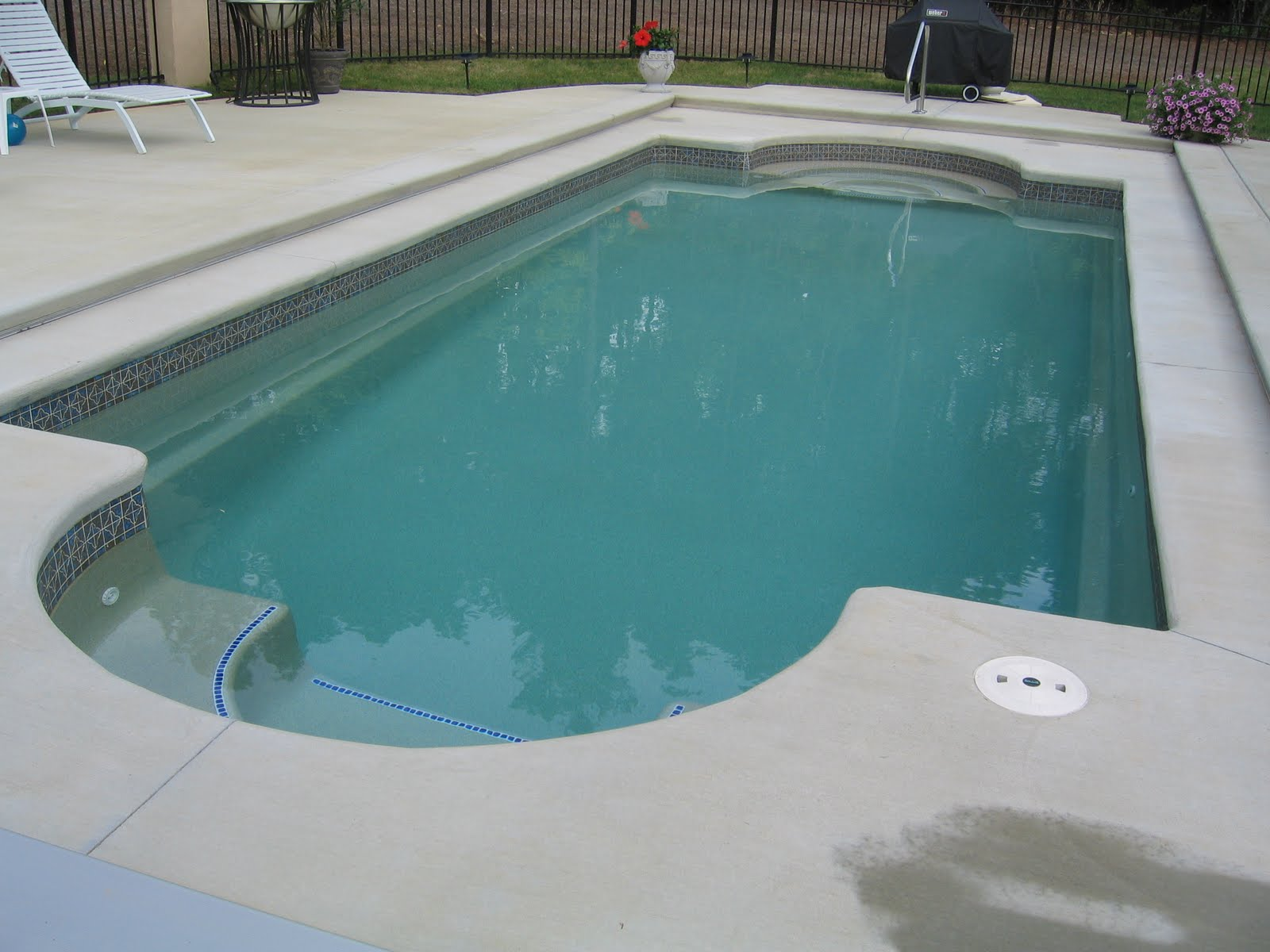 Another Picture Of Fibergl Or Vinyl Gunite Pool
