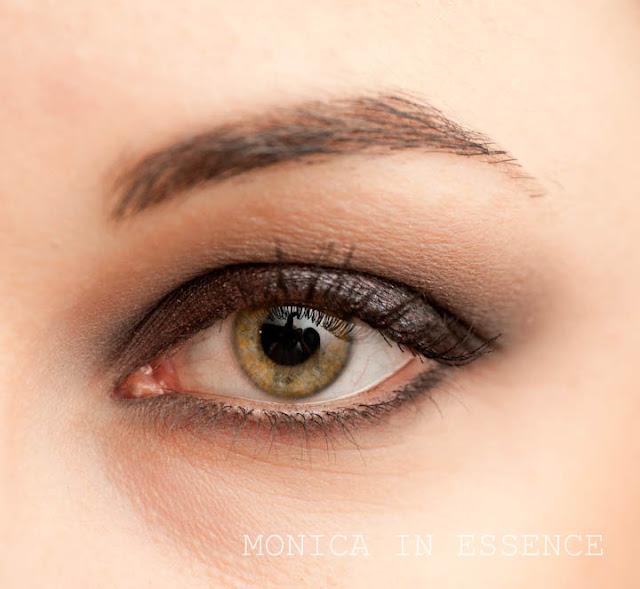 monicainessence, blog, kozmetika, nude, neutrálne, oči, jemné líčenie