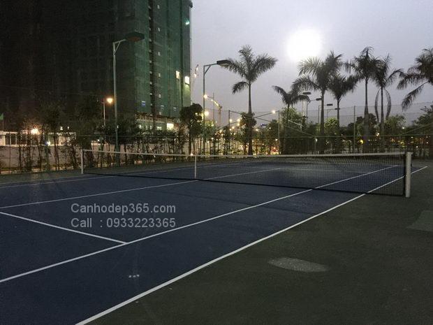 cho-thue-can-ho-vinhomes-central-park-san-tennis-buoi-toi