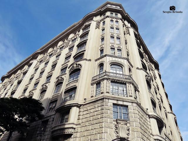 Vista ampla da fachada e lateral do Edifício Campos Salles (Ministério Público do Estado de São Paulo) - Centro