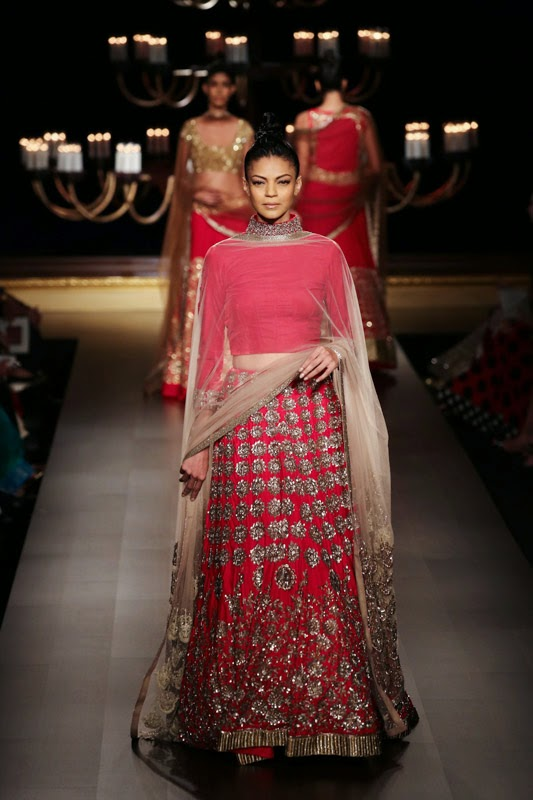 Manish Malhotra Show At India Couture Week 2014 Fashion Feature