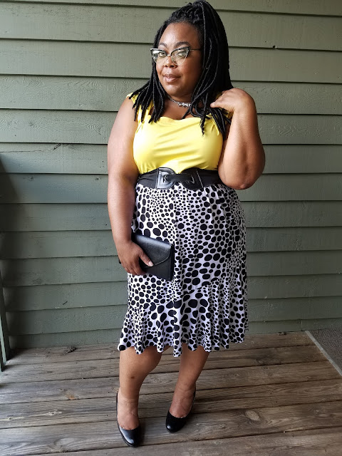 plus size dressy outfit, fluted skirt, dressy tank, cat-eye glasses