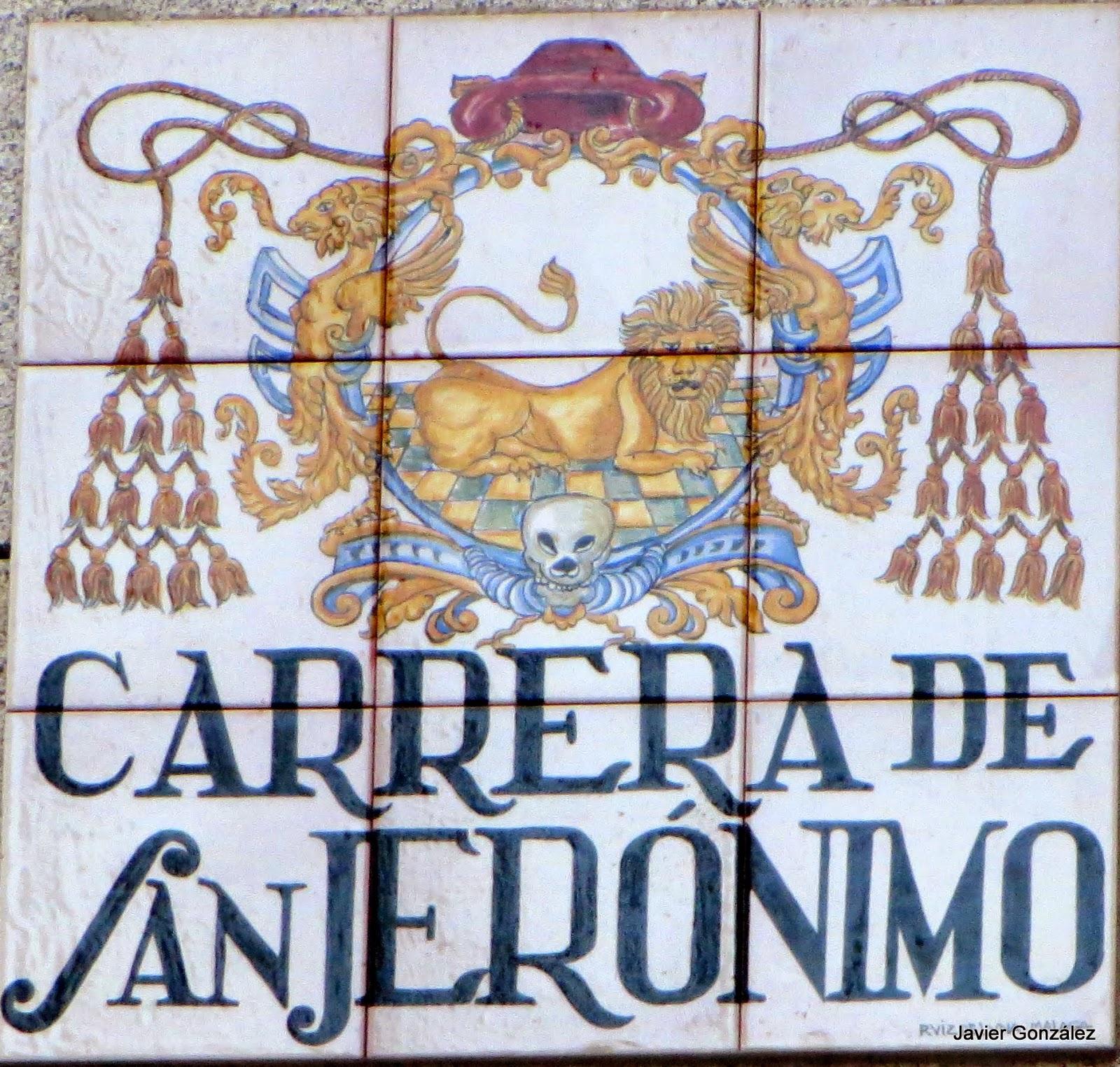 Puerta del Sol. Madrid. Azulejos de los nombres de las calles