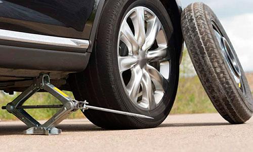 Como cambiar una rueda de coche