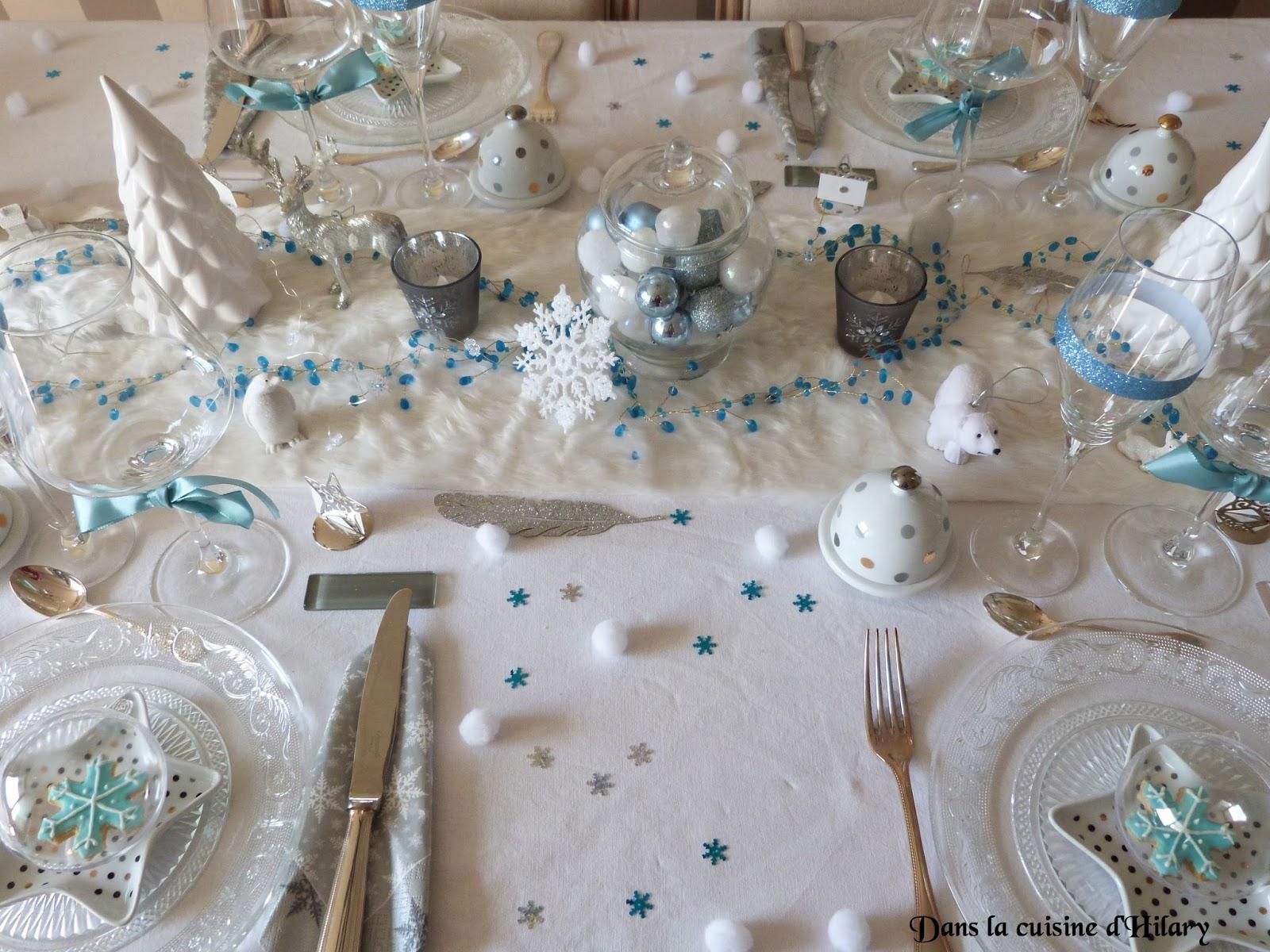 Dans la cuisine d 39 hilary ma table de no l polaire en bleu for Deco de noel bleu et argent