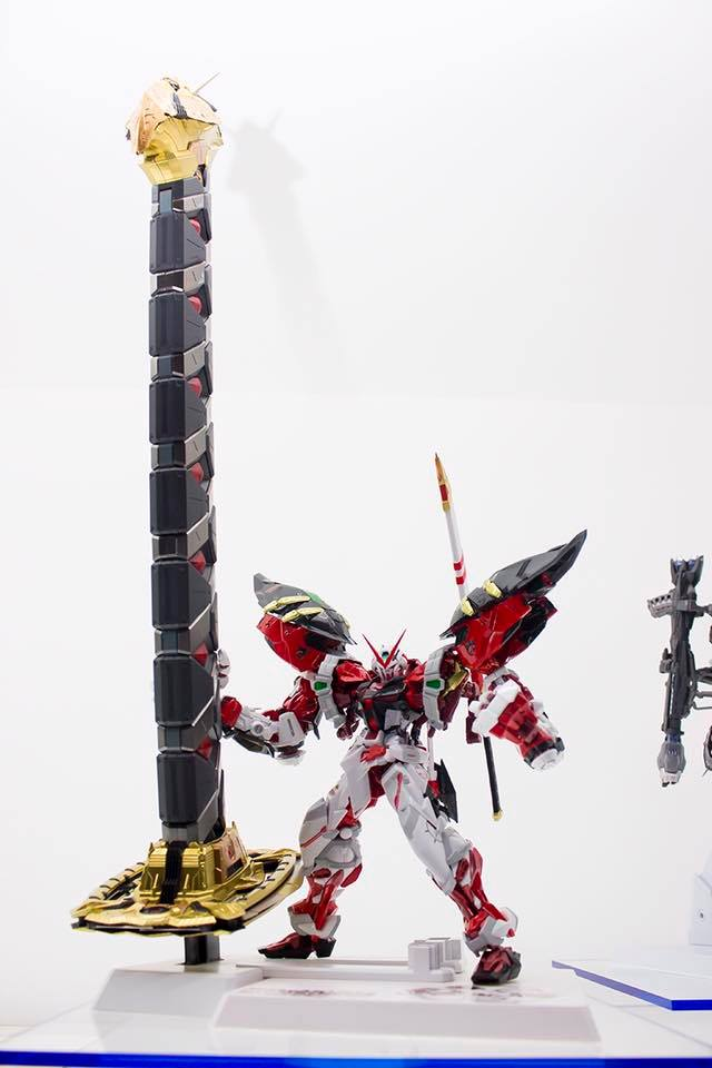 METAL BUILD 1/100 Gundam Astray Red Frame Powered Red & 150 Gerbera Exhibited at Tamashii Nation 2016