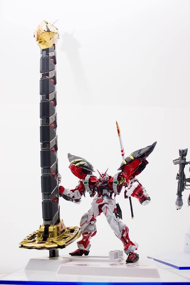 METAL BUILD 1/100 Gundam Astray Red Frame Powered Red & 150 Gerbera Exhibited at Tamashii Nation 2016