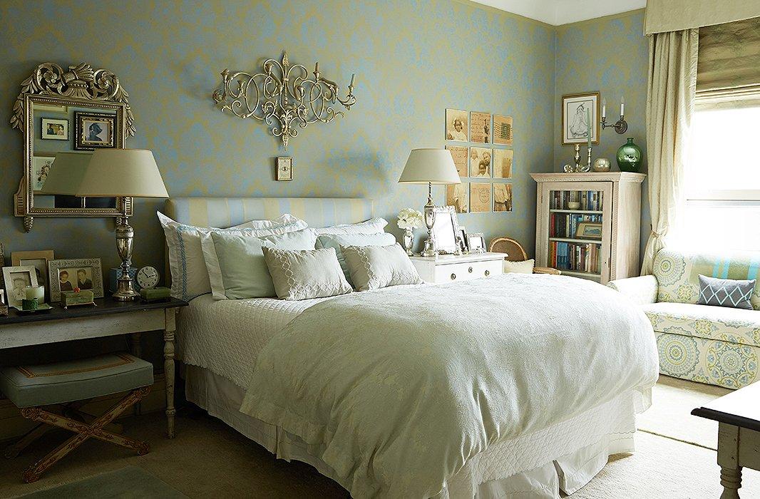 House Beautiful Elegant And Alive September ZsaZsa - Gustavian bedroom furniture