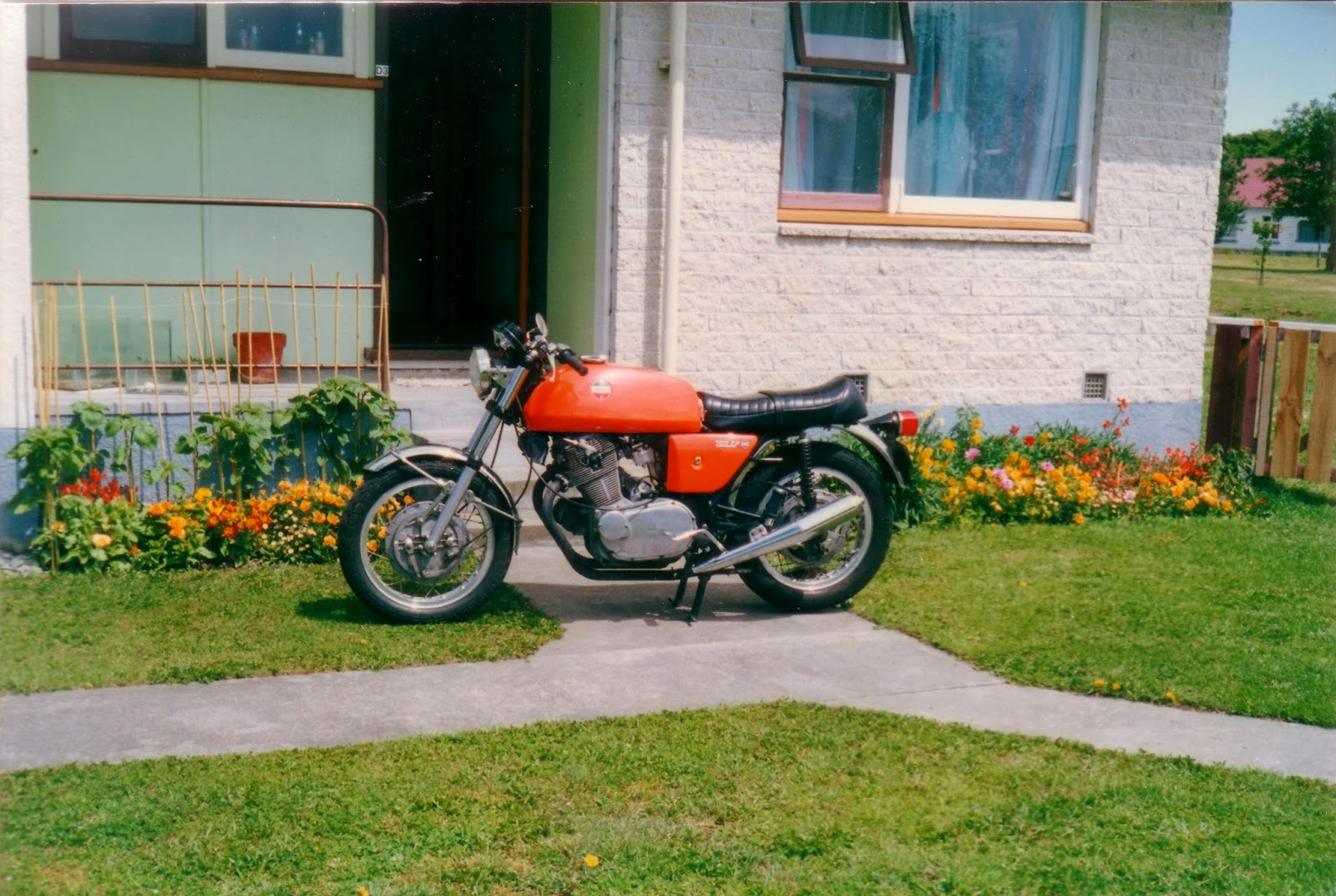 hight resolution of my 1971 laverda 750 sf1 with the dual seat