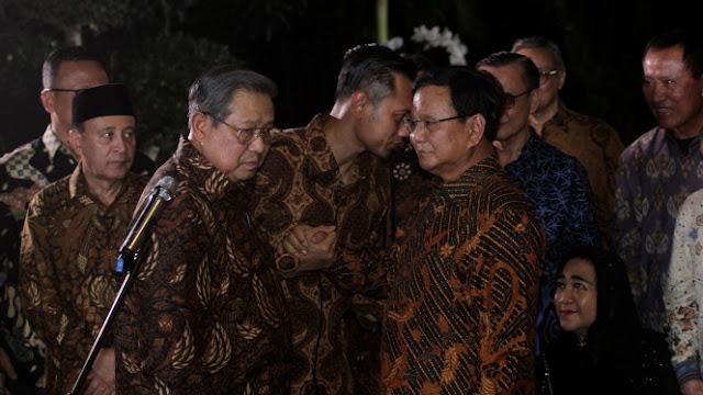 SBY Jatuh Hati ke Prabowo, Fahri: Cahaya Datang Maka Gelap akan Hilang