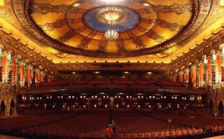 4. Teater Fox