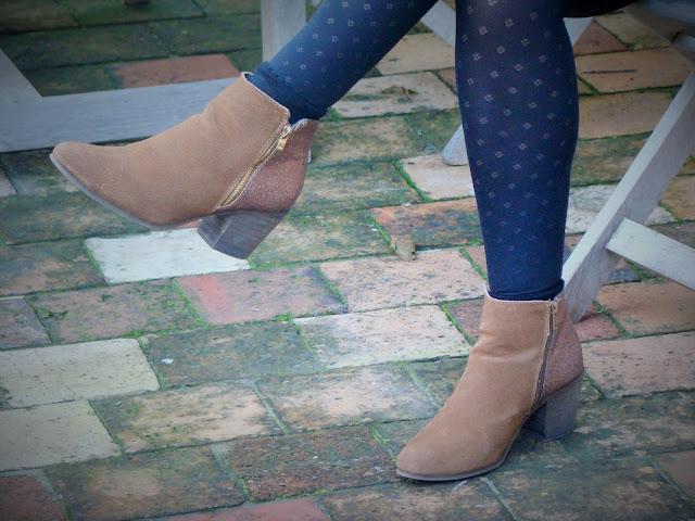 Look Mode fashion automne short et veste tendance chaussures bottines marypaz rouille