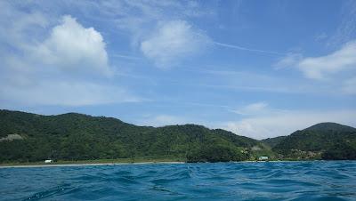 奄美大島の海上から