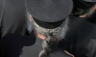 Λάρισα: Ιερείς πήραν σε 7 χρόνια μισθούς 3,8 εκατομμυρίων ευρώ