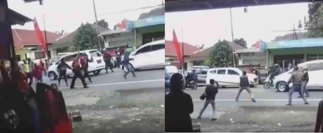 Beredar Video Bentrokan Lanjutan di Ciawi Bogor, Tembakan Polisi Gak Digubris