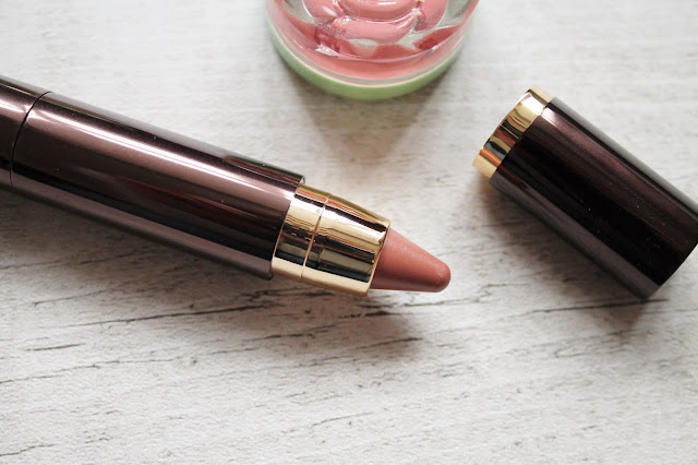 Hourglass Girl Lip Stylo in Futurist Review
