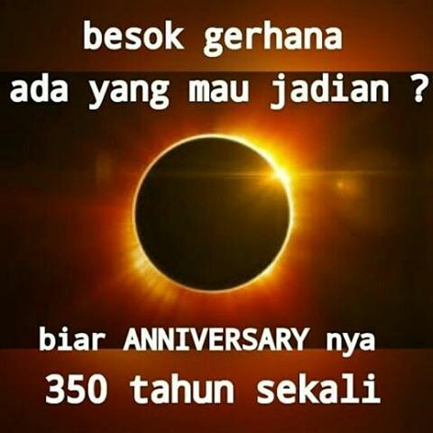 Meme Gerhana Matahari Total Disini Aja Tempatnya