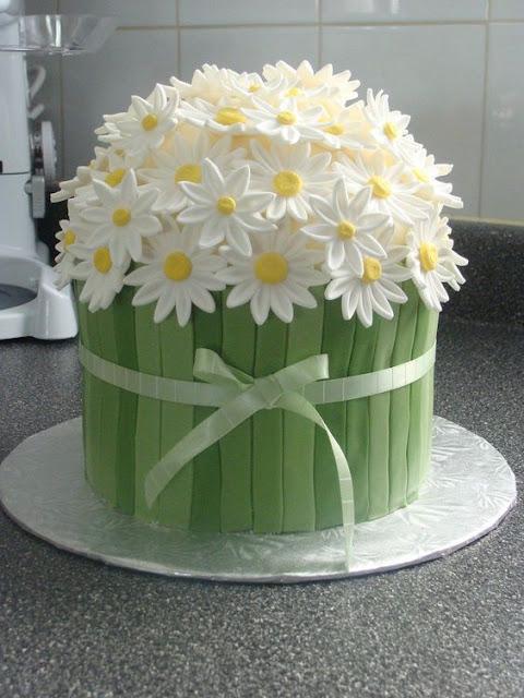 bánh sinh nhật hình hoa cúc đẹp