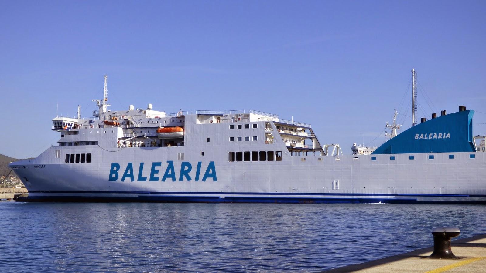 Ferrybalear el ferry napoles de bale ria realiza su for Oficina balearia ibiza