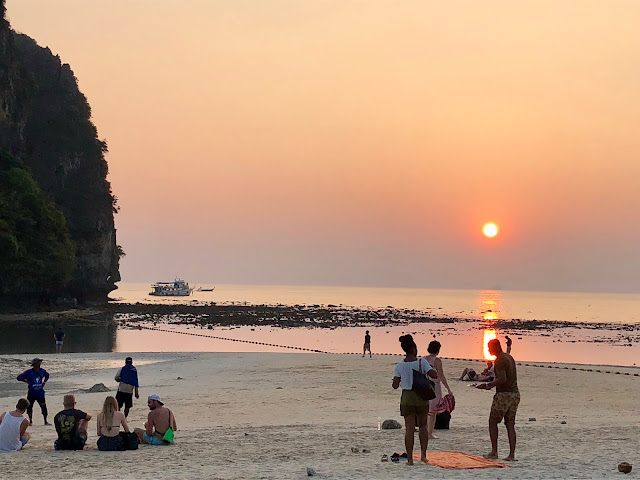 Railay beach sunsets