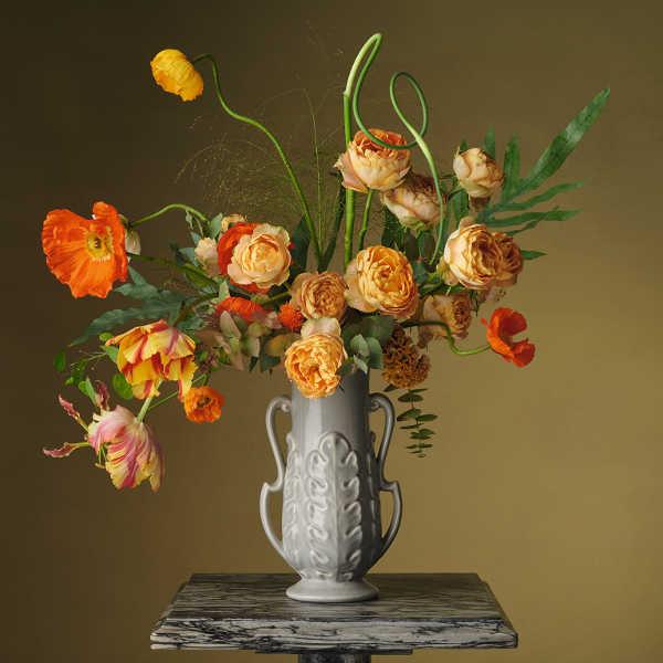 Past, Present, Future - Loewe - Imagen inspirada en arreglos florales de Constance Spry - Steven Meisel.