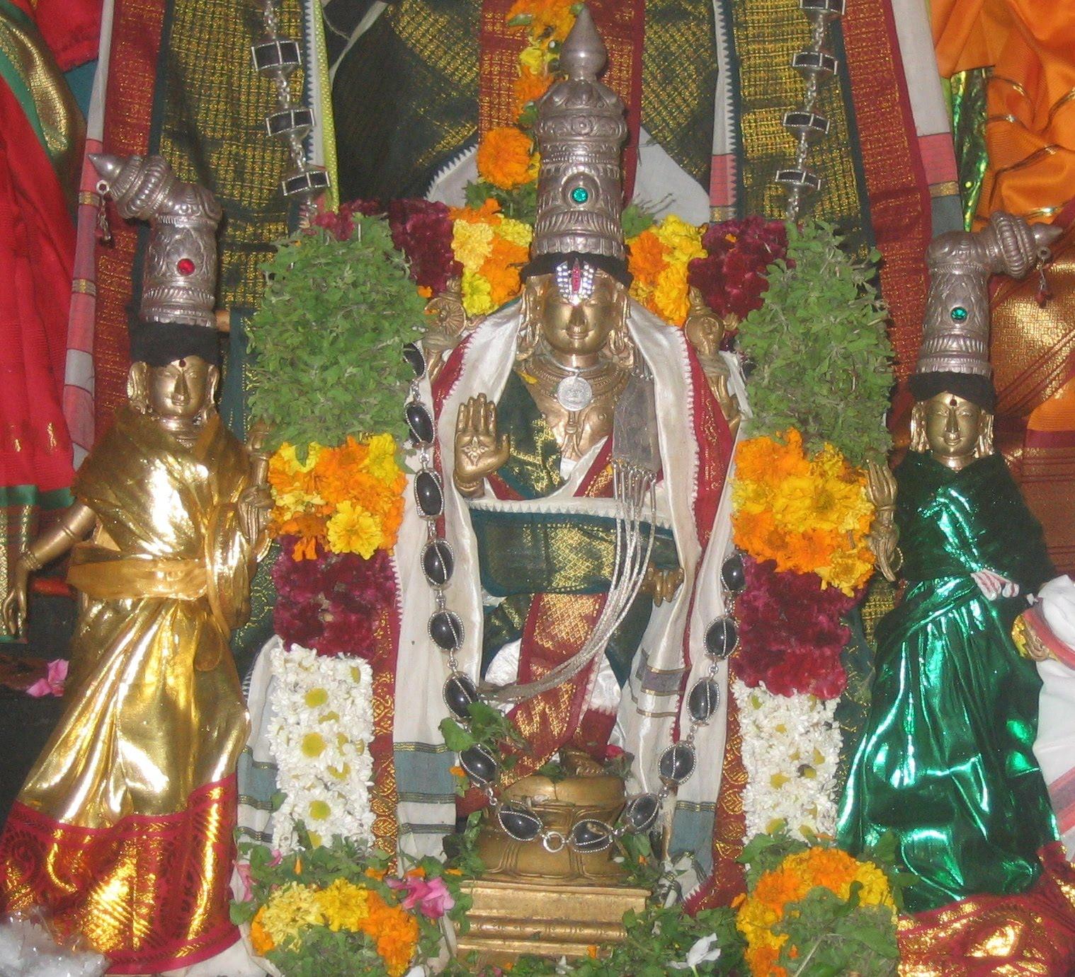 Tamilnadu Tourism: Varadaraja Perumal Temple, Keezha