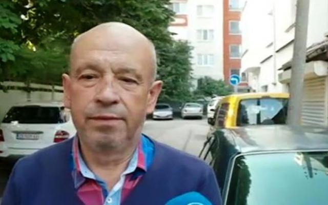 11-годишен кара кола в София! Дядото: Спокойно, той кара от 3-4 години!