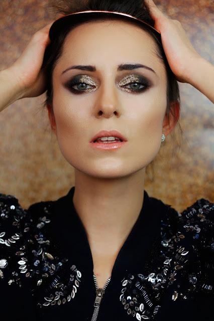 makijaż z brokatem