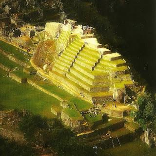 A Pirâmide do Intihuatana de Machu Picchu