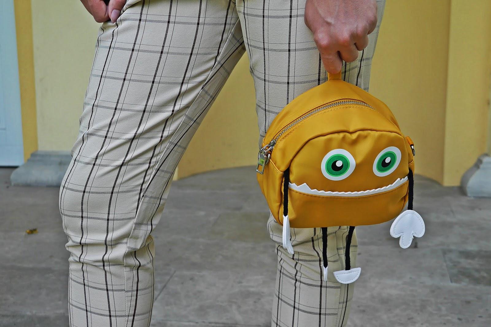 6_spodnie_w-krate_top_w-Paski_zielone_szpilki_z_przezroczystym_obcasem_karyn_blog-modowy_060818