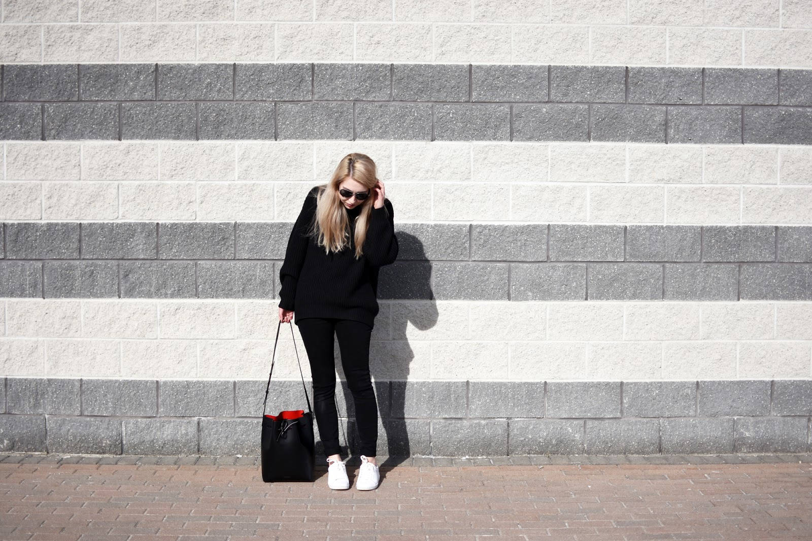 all black OOTD ft. Aritzia montpellier sweater, black skinny jeans, and Mansur Gavriel bag