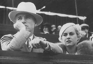 Чарли Чаплин и Полетт Годдар на теннисном турнире (август 1932) 1