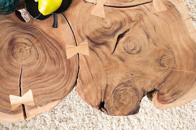 stolik zmasivneho dreva.