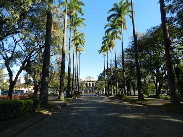Praça da Liberdade - Onde ficar em Belo Horizonte? Max Savassi Aparthotel