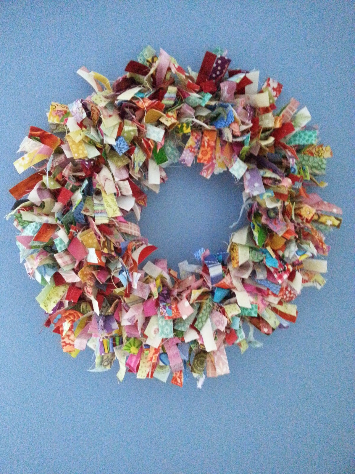 Naptime Stitching No Sew Fabric Wreath Tutorial