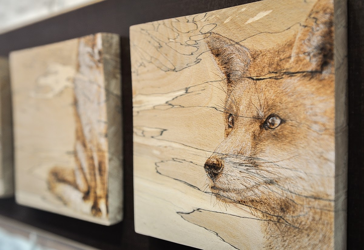 08-The-Fox-Eben-Cavanagh-Rautenbach-LeRoc-Animal-Drawings-using-Pyrography-www-designstack-co