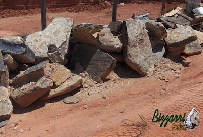 Pedra para cascata de pedra na piscina, tipo pedra moledo.