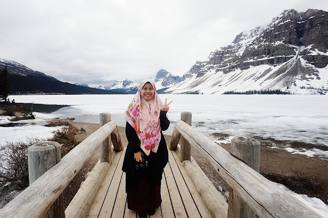 Farah at the Bow Lake, Banff National Park, Alberta, Canada