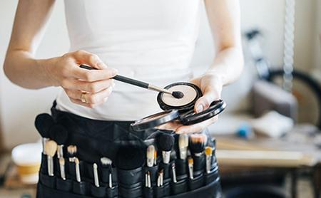 كيف يمكن لمستحضرات التجميل ان تؤثر على صحتي