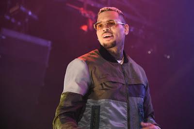 """O acusador de Chris Brown espera """"investigação criminal"""" sobre o caso de estupro é aberto"""