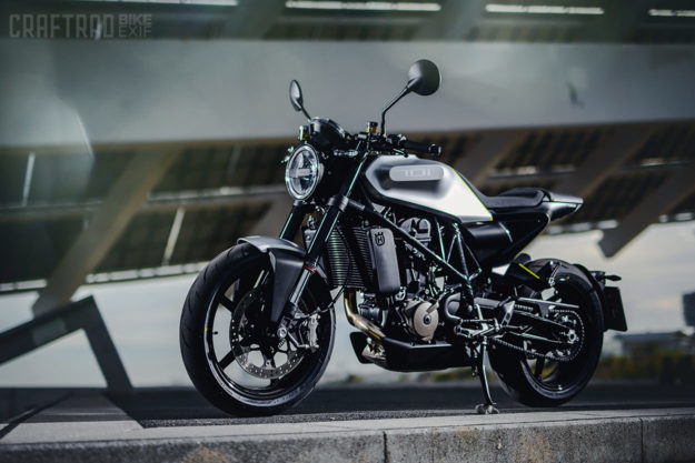 Deretan motor baru 2019 bakal meramaikan dunia otomotif tahun ini. Mulai dari skuter matik premium bernuansa adventure dari Honda hingga Moge adventure dari BMW.